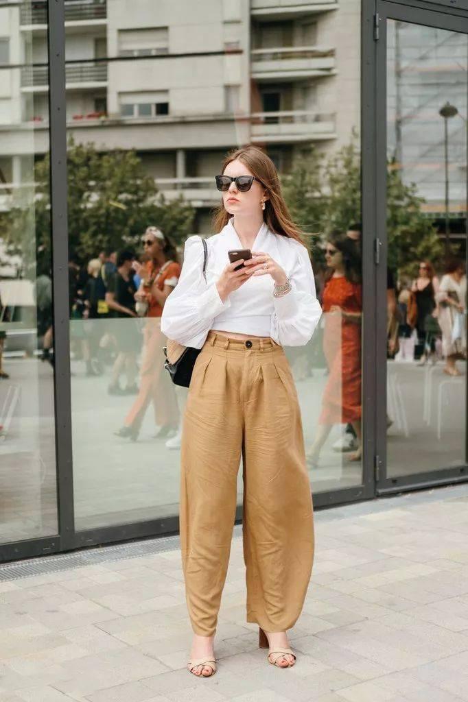 最潮搭配:衬衫+工装裤,T恤+工装裤,西装+工装裤…… 又飒又美!