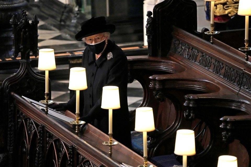 """菲利普亲王葬礼几天后 英女王低调迎来""""最孤"""