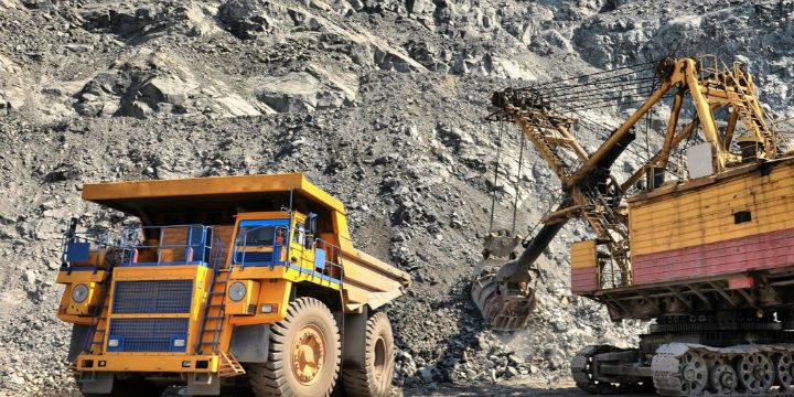 """铁矿石期货刷新历史高点 """"疯狂""""背后的驱动力在哪?"""
