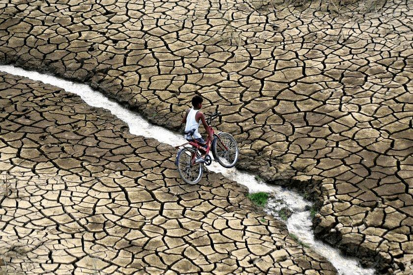 世界最大冰山已融化分裂:全球暖化、海平面上升30年后,上海纽约即将被淹没……