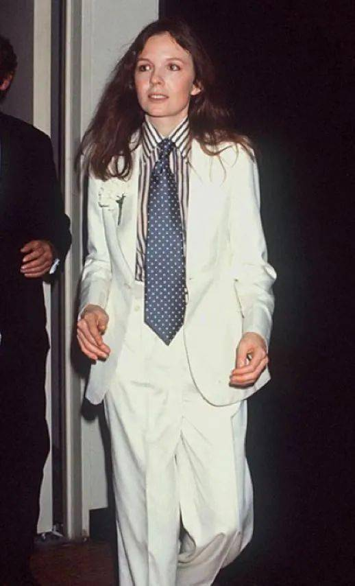 衣品||75岁还是最酷的女神 如何穿成戴安·基顿?-家庭网