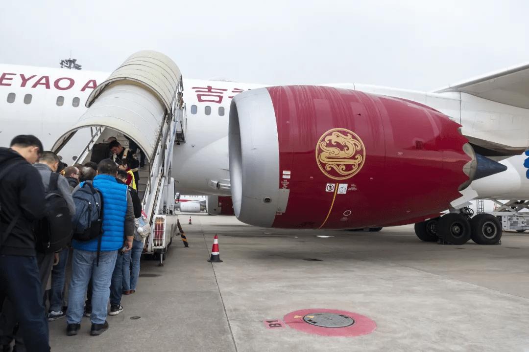 一年亏损640亿创A股历史,吉祥航空能吃下资不抵债的海南航空吗?