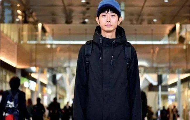"""日本36岁高学历小哥辞职后""""出租""""自己,陪离婚陪K歌,网友:还有这种操作?"""
