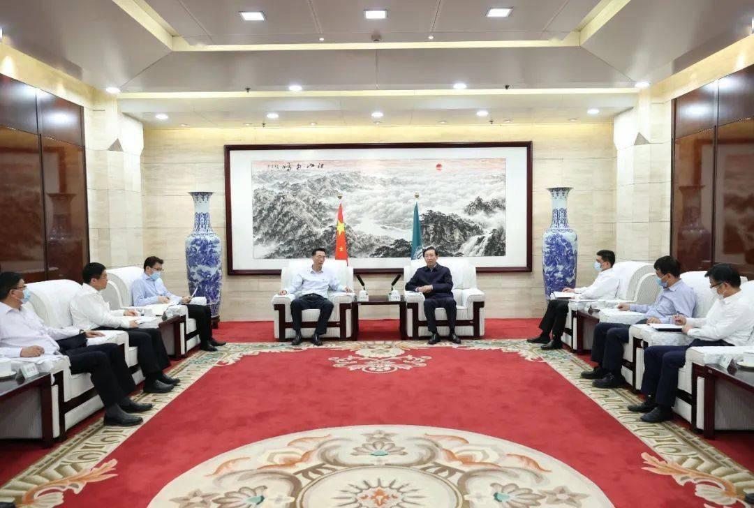 中海油董事长杨�%_许达哲会见中海油董事长汪东进一行
