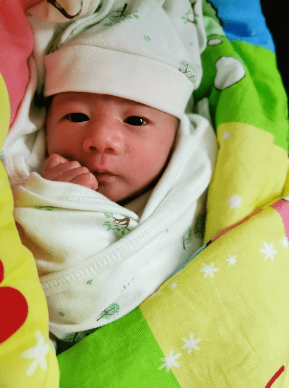一位早产儿的自述:我在妈妈肚子里都经历了什么?