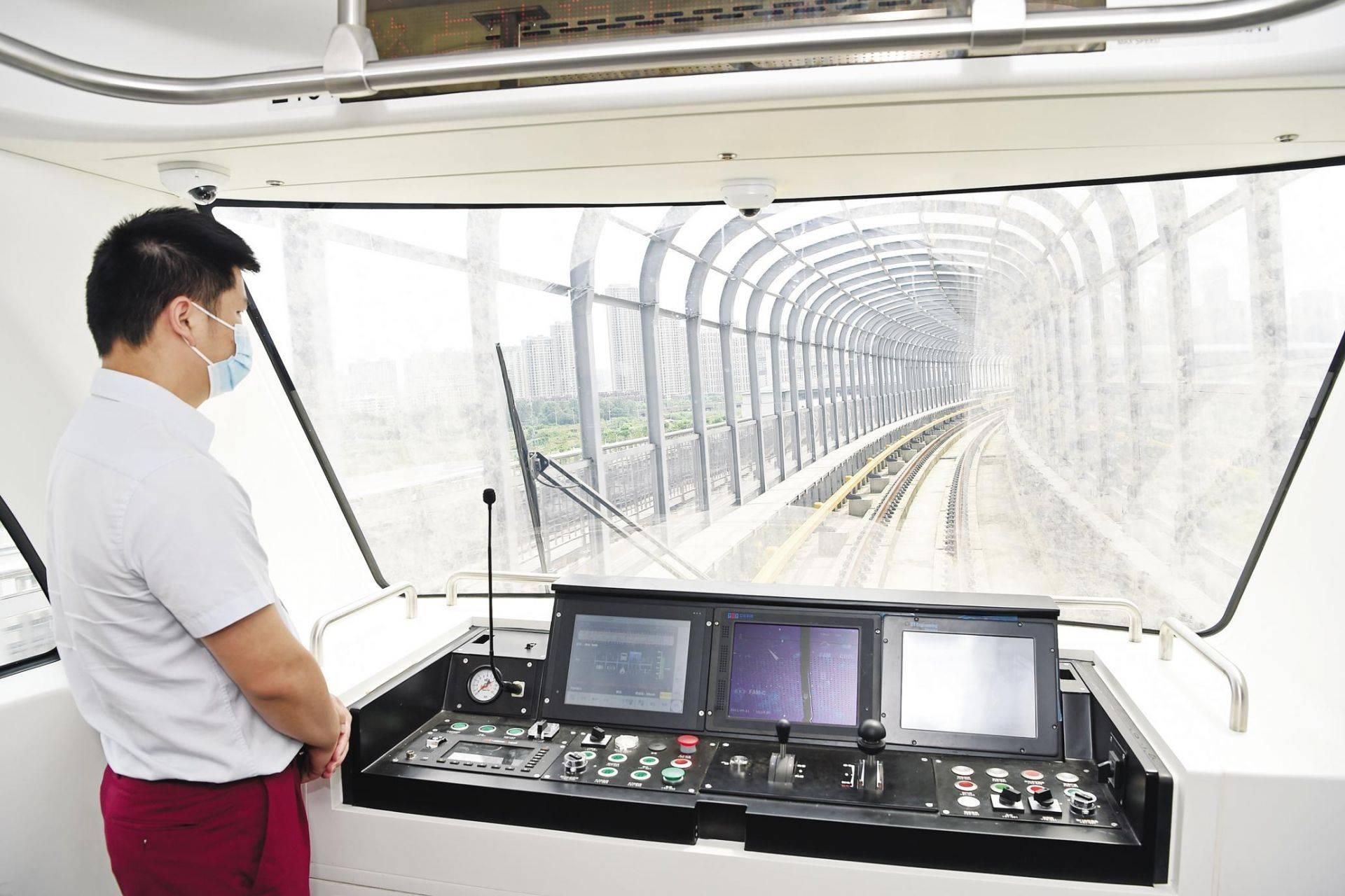 武汉首条全自动运行地铁线路开始联调联试