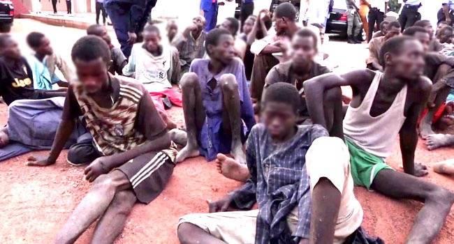 外媒:尼日利亚执法人员展开大规模营救行动,解救187名人质