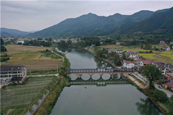 """秋天第一口新米,是浏阳河源头长大的""""玉针香"""""""