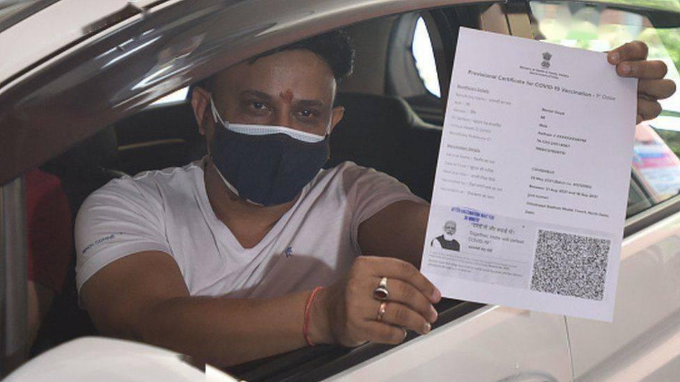 不满疫苗接种证书上印莫迪照片,印反对党成员:要求总理立即停止错误、可耻的行为!
