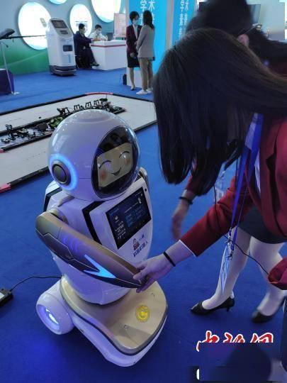 """从机器人""""小科""""到""""冬奥手语播报"""" 解密""""数字人""""技术运用"""